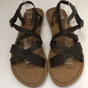Rip Curl Women's Strappy Flat Sandals  Size 9.